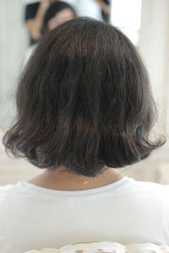 ちりちり広がるくせ毛のショートカット と 秘密のスタイリング剤