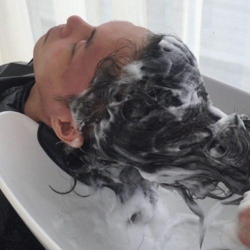正しい洗髪が薄毛の進行を食い止める☆