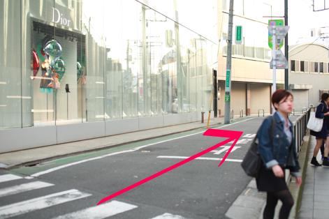 lilyへ原宿駅からのアクセス09