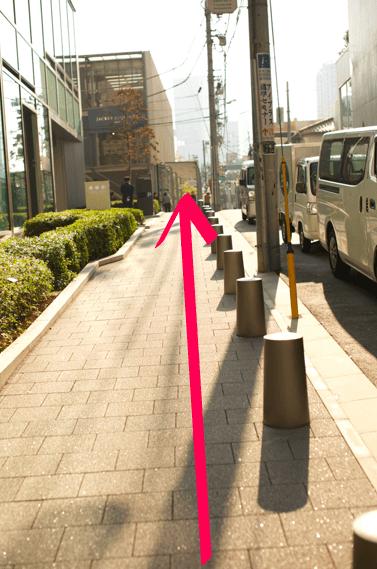 lilyへ表参道駅からのアクセス05