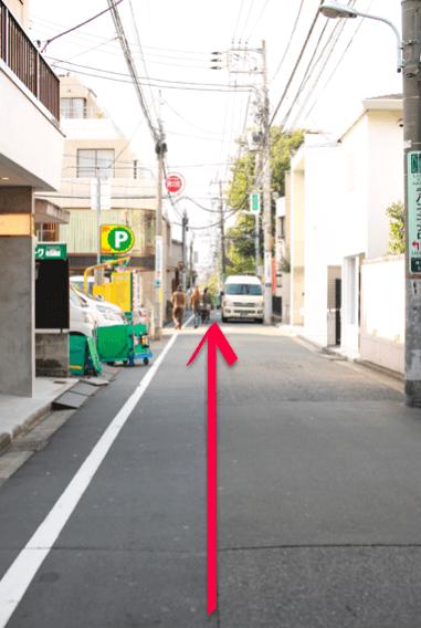 lilyへ表参道駅からのアクセス08