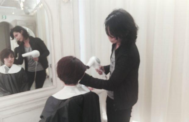 柳本さんは何で髪の勉強をしたんですか?
