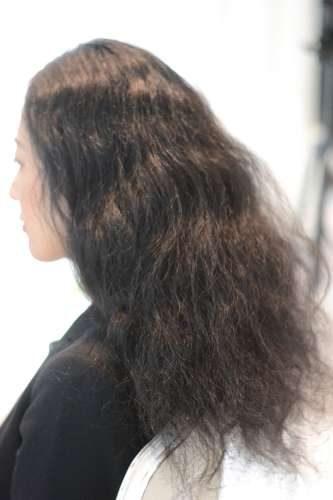 【役割で考える】くせ毛にオススメのシャンプー剤の選び方とは?