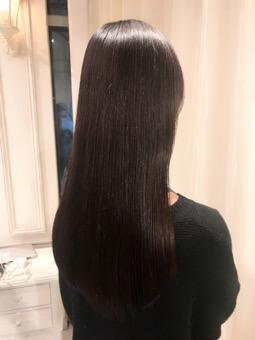 髪の痛む原因は?ー原因を探ることで髪は綺麗になるー